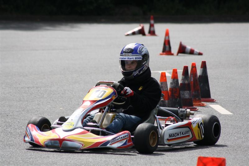 Julia Küster testet Mach1 Kart