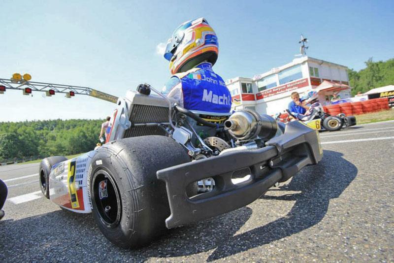Mach1 Motorsport Pilot John Norris beim Bridgestone Cup